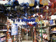 3 - 24    Grocery Store, Chile
